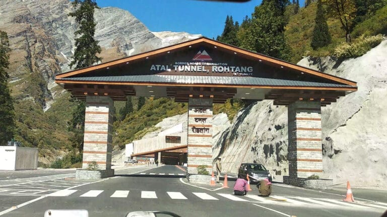 The Ultimate Trip To Rohtang Pass & Sissu by Rohtang Tunnel /Atal Tunnel